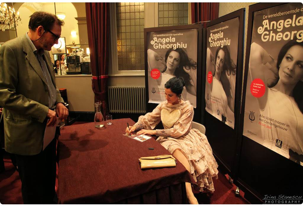Signing session in Amsterdam, 24.09.2013